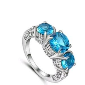 Jewelry - GORGEOUS DIVA RING SIZE 9 NEW